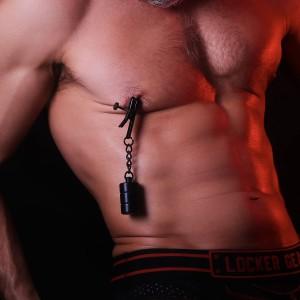 Stimulation des seins et têtons
